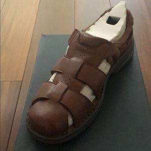 Men's sandal- Florsheim NWT brown size 10 wide